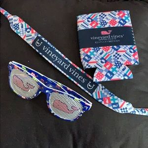 Vineyard vines set sunglasses and coozie
